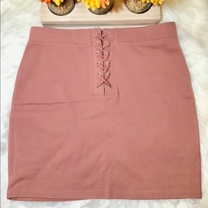 Forever 21 Women Dark Pink Mini Skirt Size L